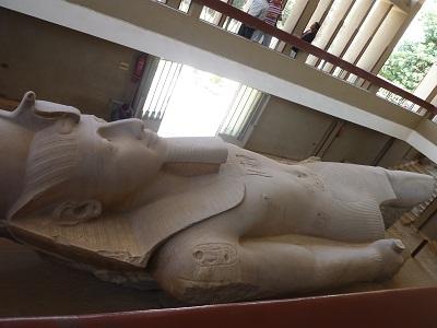 エジプト 7日目 メンフィス・サッカラ 1.jpg