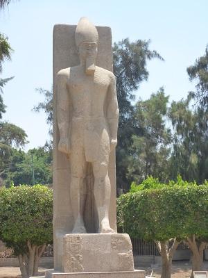 エジプト 7日目 メンフィス・サッカラ 4.jpg