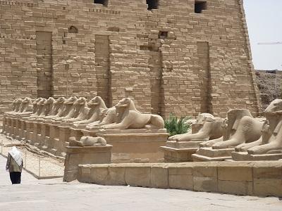 エジプト 2日目 カルナック神殿 2.jpg