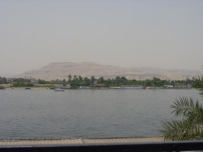 エジプト 2日目 ナイル川と王家の谷.jpg