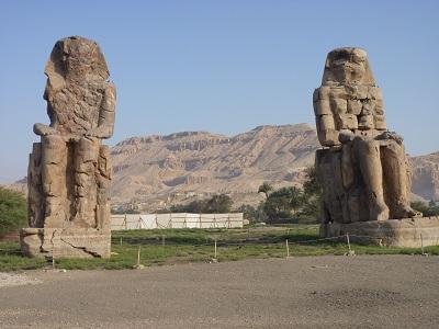 エジプト 3日目 メムノンの巨像.jpg