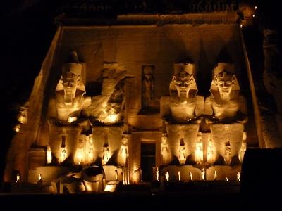 エジプト 5日目 アブシンベル神殿 ライトアップ 2.jpg
