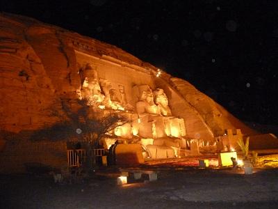 エジプト 5日目 アブシンベル神殿 ライトアップ 4.jpg