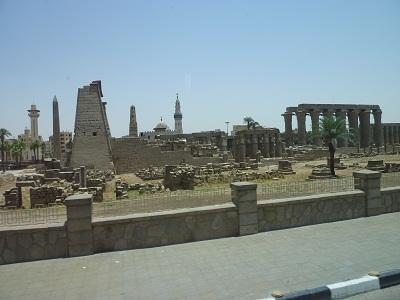 エジプト 3日目 ルクソール神殿 10.jpg