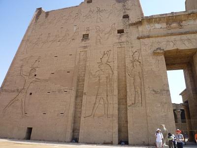 エジプト 4日目 ホルス神殿 7.jpg
